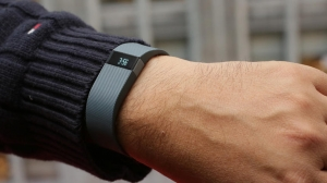 Купить Fitbit Charge HR Размер S за 0 руб.